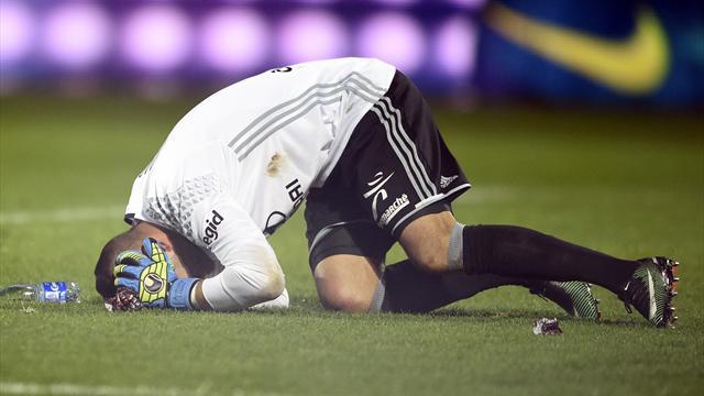 El meta del Lyon Anthony Lopes salva los tímpanos, pero es duda ante el Sevilla