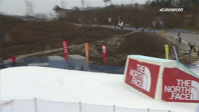 WATTS! Acrobazia assurda con lo snowboard, e ruote perse in pista!