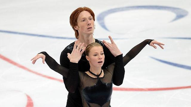 Тарасова и Морозов выиграли бронзу в парах