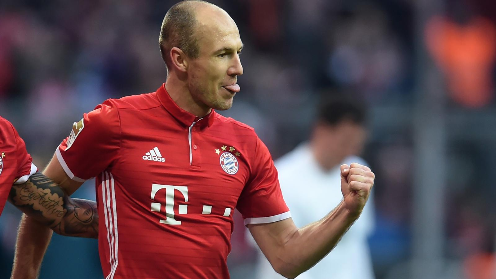 arjen robben signs bayern munich contract extension bundesliga 2016 2017 football. Black Bedroom Furniture Sets. Home Design Ideas