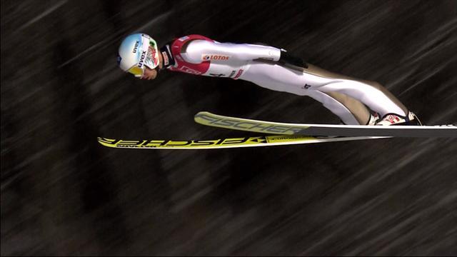 El campeón olímpico Kamil Stoch vence en el trampolín de Lillehammer en la Copa del Mundo de saltos