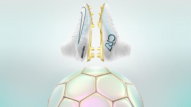 De l'or aux pieds de Ronaldo pour fêter son année de rêve