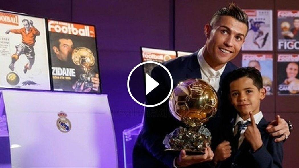 Wie Cool Sohn Von Cristiano Ronaldo Stiehlt Papa Bei Ballon