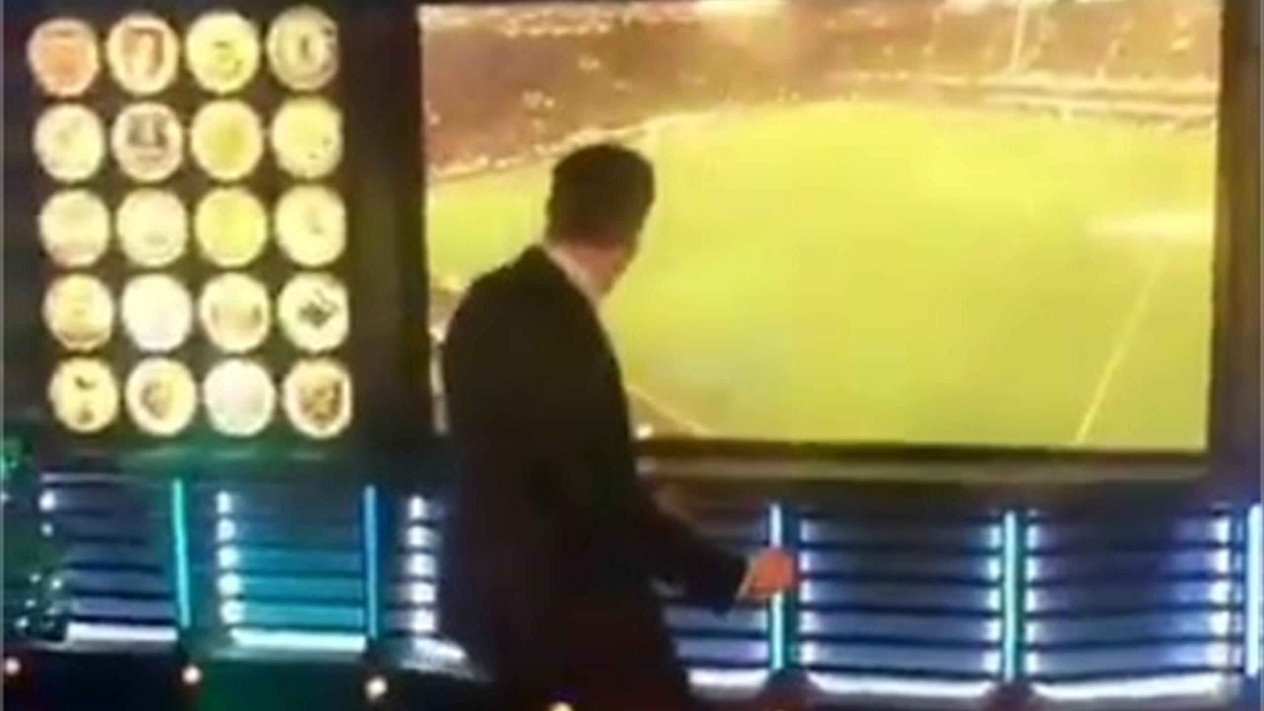 Liverpool legend Jamie Carragher's brilliant celebration after Merseyside derby winner (Soccer AM on Twitter)