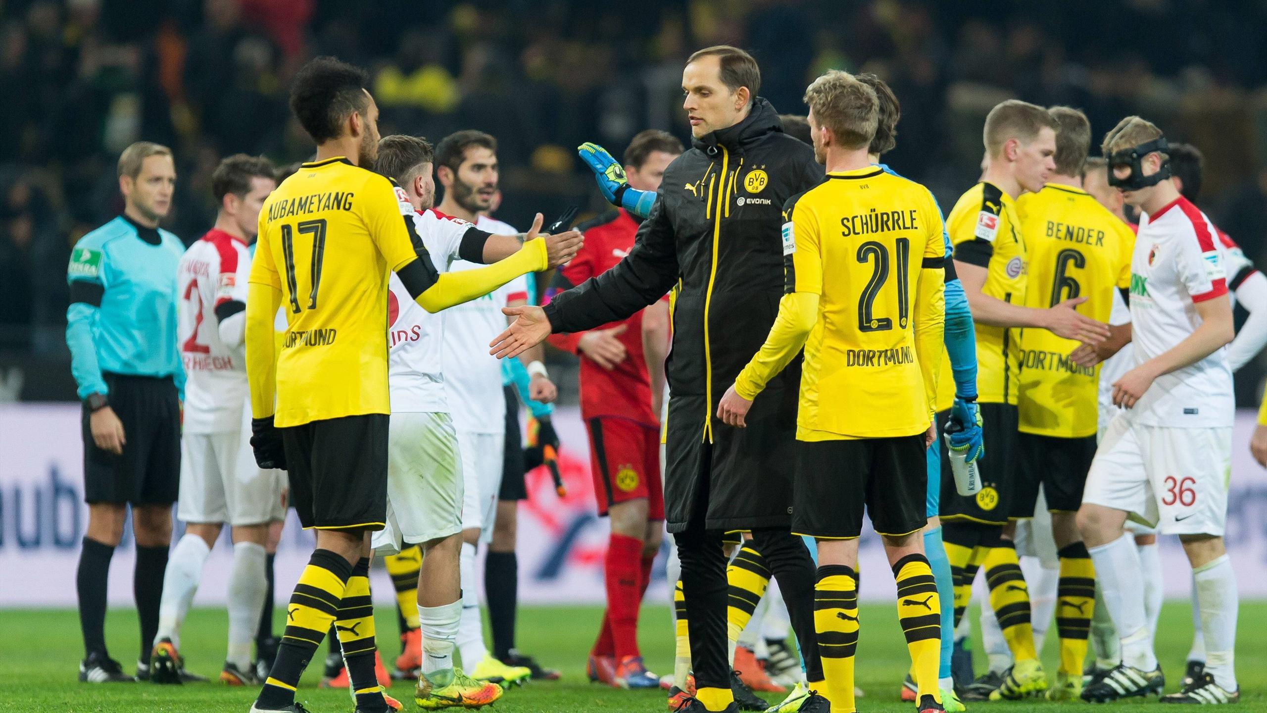 Schürrle Aubameyang Tuchel - Borussia Dortmund-Augsburg - Bundesliga 2016/2017 - Imago