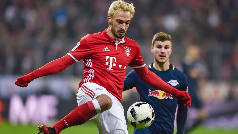 Защитник «Баварии» Хуммельс стал рыжим из-за пари