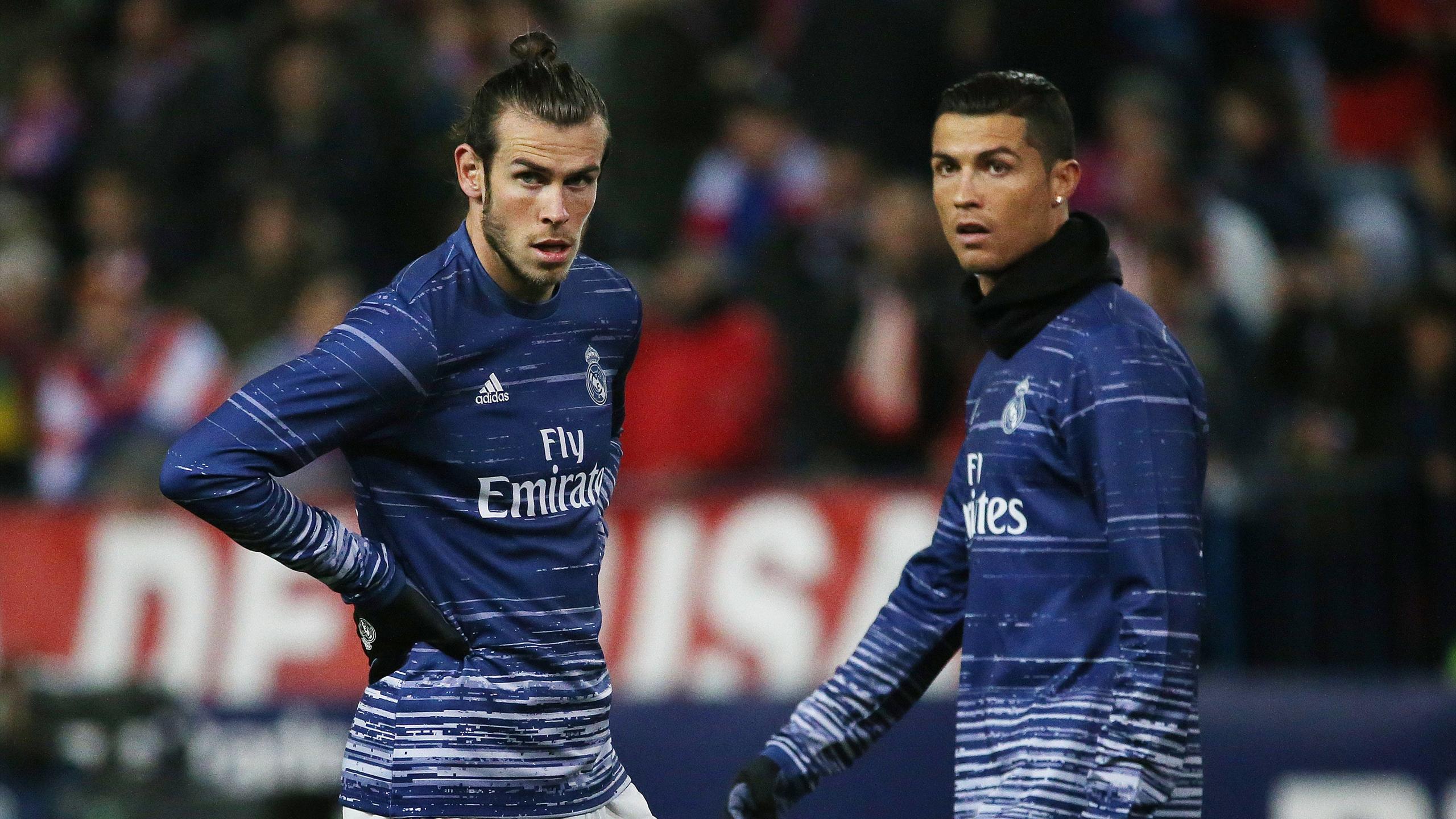 Real Madrid's Gareth Bale (L) and Cristiano Ronaldo