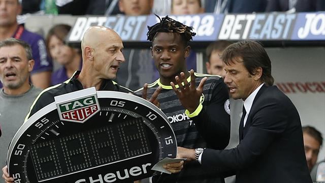 Chelsea consider Ake recall