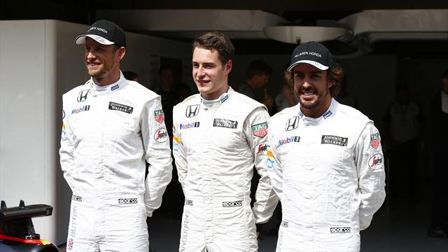 Vandoorne must learn from Alonso in 2017 - Magnussen