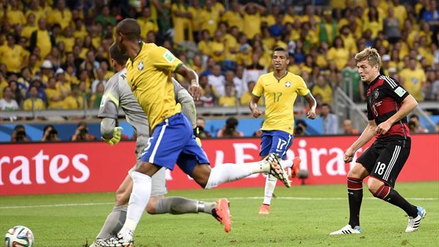 Кроос пошутил над сборной Бразилии впоздравлении сНовым годом