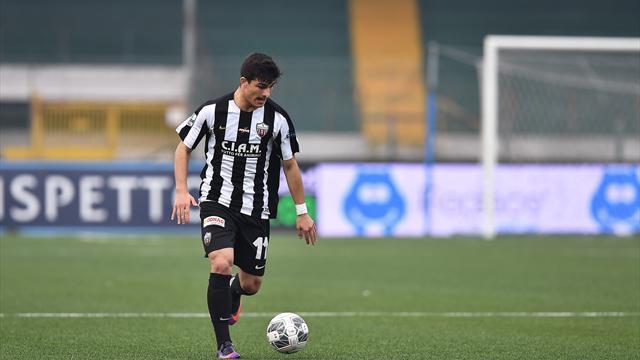 Juventus, c'è l'accordo per Orsolini: 4,5 milioni all'Ascoli, Napoli battuto