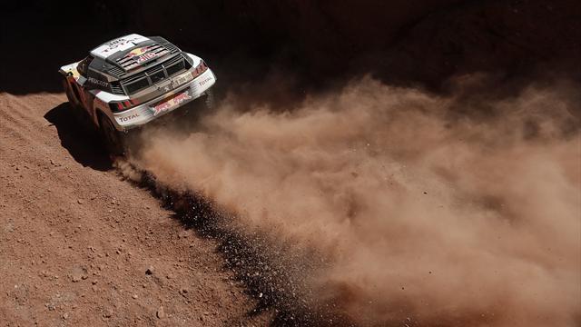 Carlos Sainz abandona el Dakar tras sufrir un accidente en la cuarta etapa