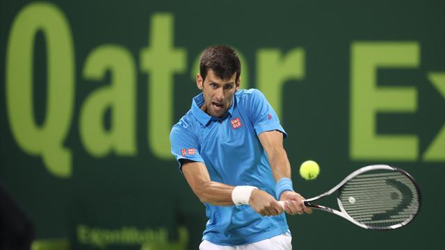 Bousculé, Djokovic s'en sort presque par miracle