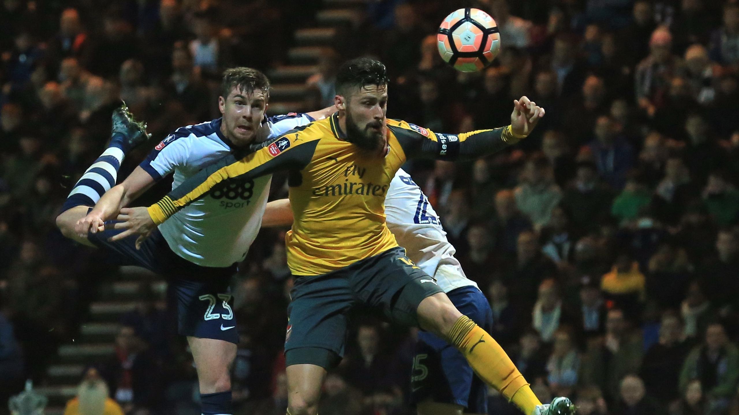 Olivier Giroud (Arsenal) face à Preston North End
