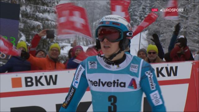 Kristoffersen gana el eslalon de Adelboden entre la niebla