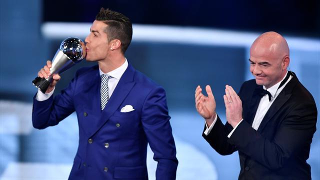 Роналду иМесси неголосовали друг задруга вопросе ФИФА