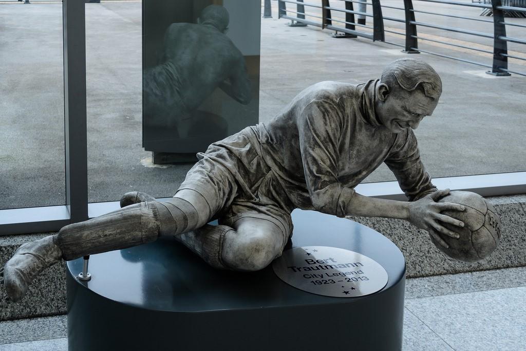 Памятник Берту Траутманну