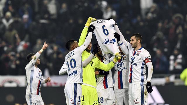 L'émouvant hommage des Lyonnais au jeune retraité Fofana