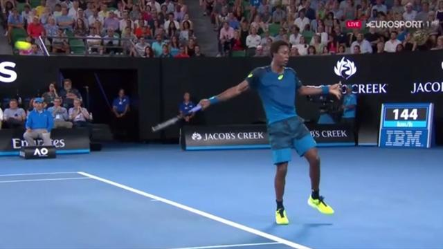 VIDEO: Monfils pulls off no-look drop shot against Nadal