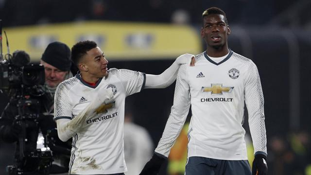 Manchester United survive late scare at Hull to reach final
