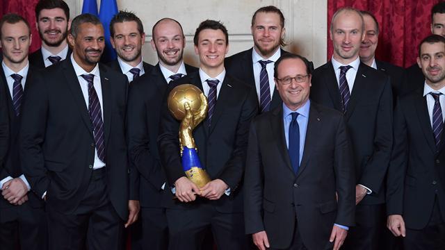 Les Experts à l'Elysée : François Hollande taquin avec les sextuples champions du monde