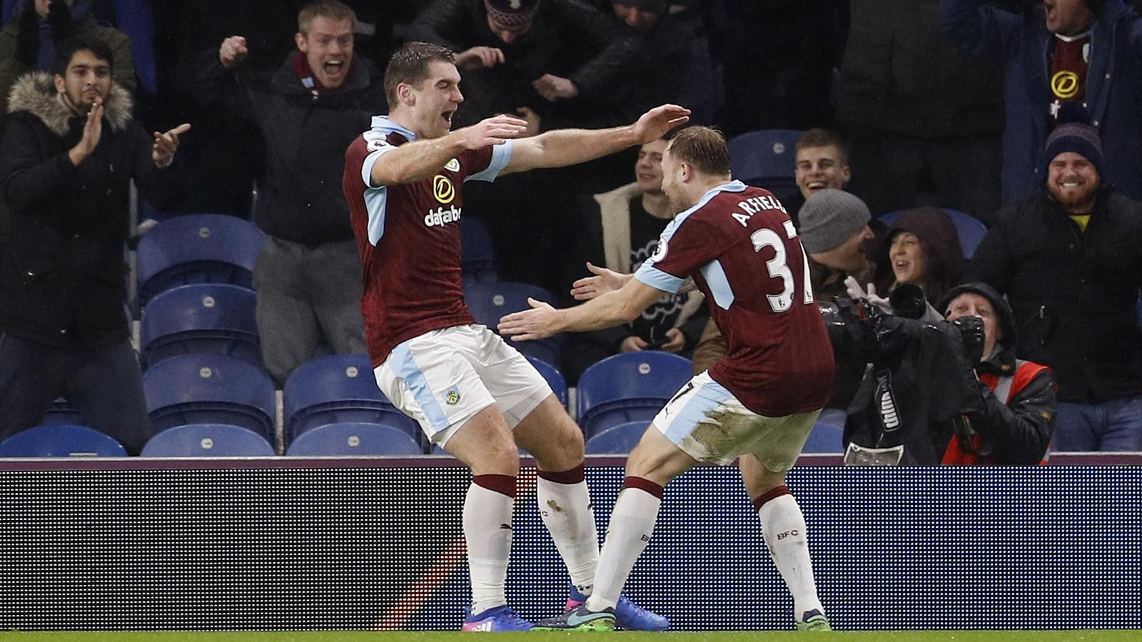 Sam vokes pokes burnley to home win against leicester - University league tables french ...