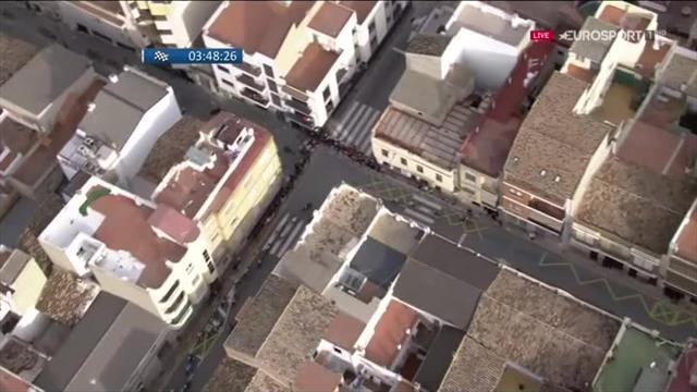 Лютый финиш на «Вуэльте Валенсии», где победитель стал понятен только с вертолета