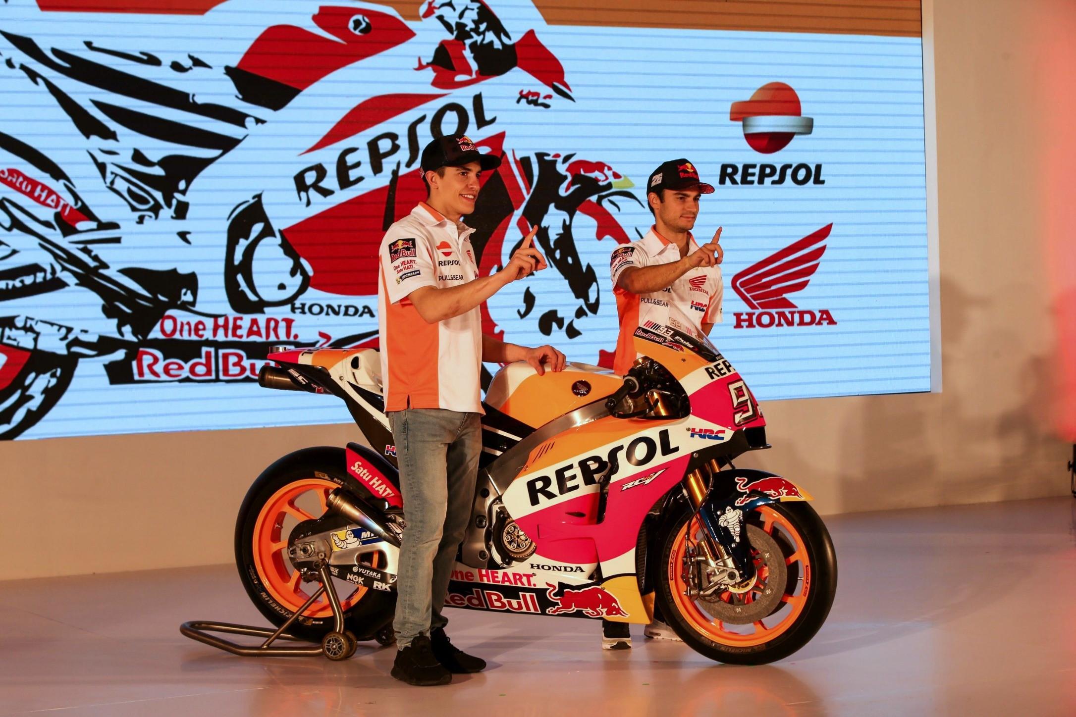Marc Marquez et Dani Pedrosa lors de la présentation du Honda HRC 2017 à Jakarta