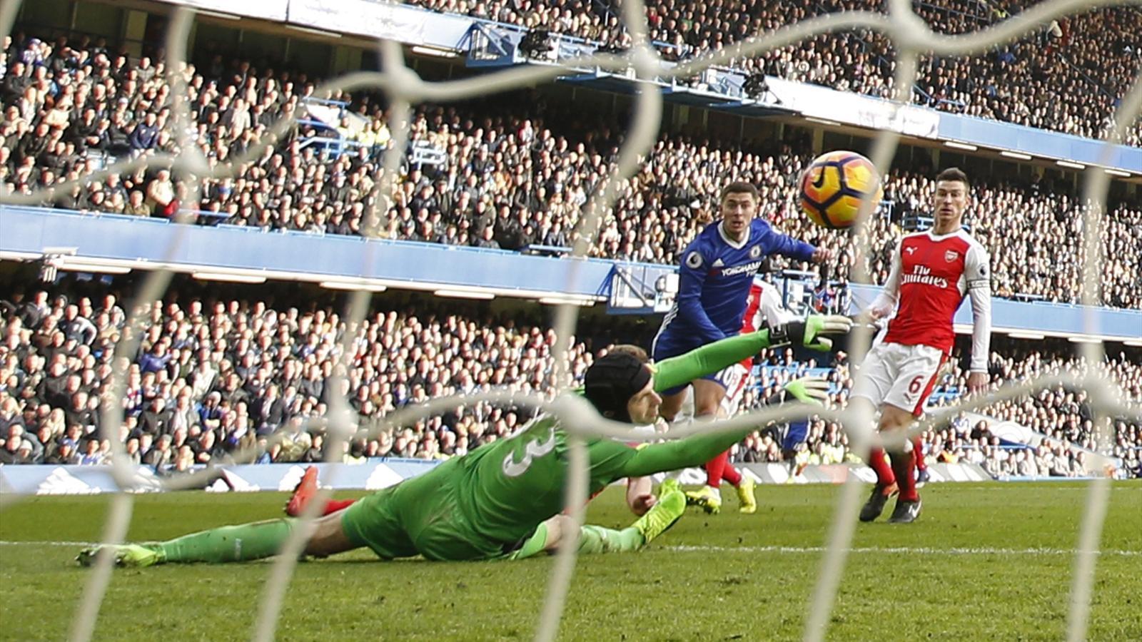 Eden Hazard scores incredible solo goal as Chelsea end Arsenal title bid - Premier League 2016 ...