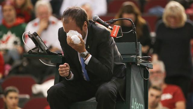 Канадец Шаповалов запулил мяч в судью, выбил ему глаз и оставил команду без Кубка Дэвиса