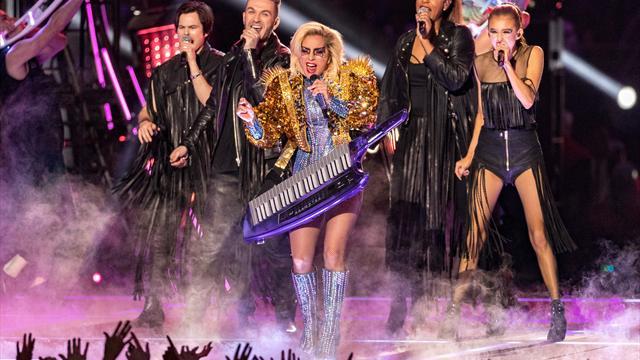 Фантастическое шоу Леди Гаги в перерыве Супербоула, едва не затмившее сам матч