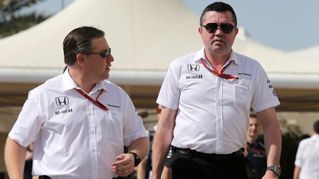 El jefe de Alonso en McLaren no sabe cómo convencerle para que renueve