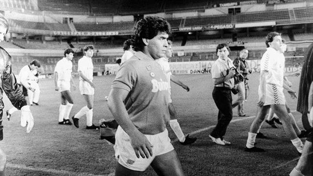 Maradona blanchi — Une simple