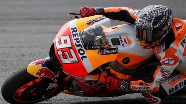 Márquez hace el mejor tiempo en Phillip Island por delante de Rossi