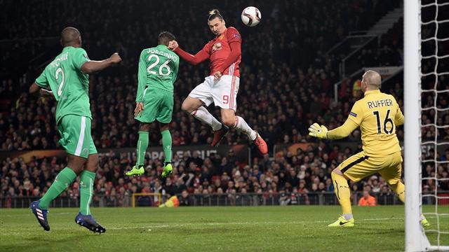 Tris di Ibra, il Manchester United prenota gli ottavi di finale