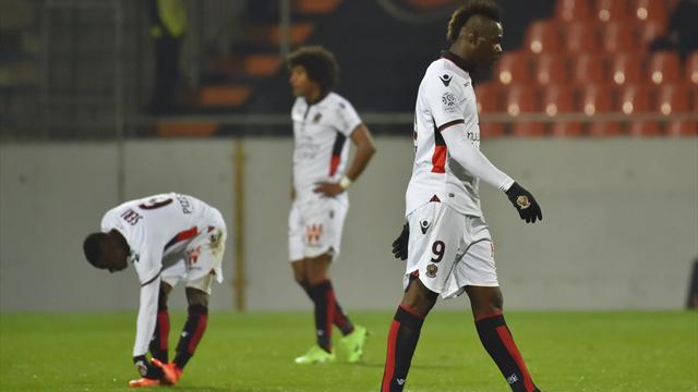 Balotelli sees red as Nice beat Lorient to go second