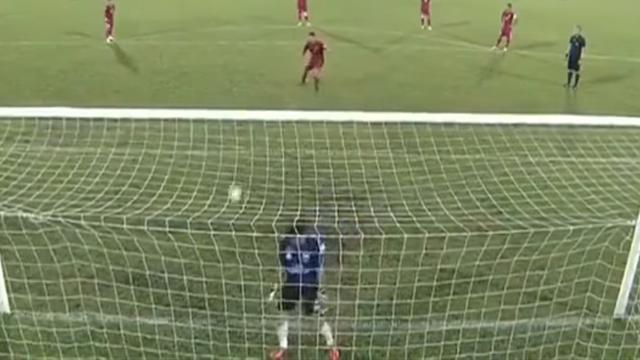 Вьетнамские футболисты пропустили 3 мяча взнак протеста против решения судьи