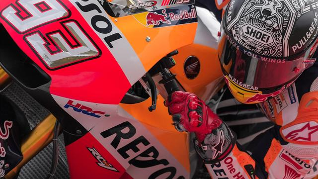 Marquez dislocates shoulder in test crash