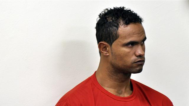 Осужденный заубийство любовницы голкипер Бруно получил предложения от 10-ти клубов