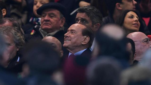Берлускони раздумывает над тем, чтобы купить Милан обратно