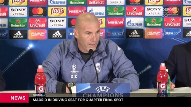 Zinedine Zidane hyller Napoli-fansen