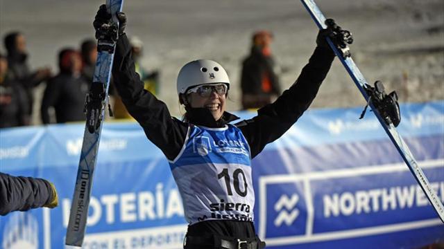 Estados Unidos triunfa en los saltos de esquí acrobático en Sierra Nevada