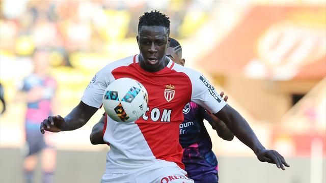 Экс-игрок сборной Франции и журналист RMC проспорили защитнику «Монако» и теперь съедят крысу