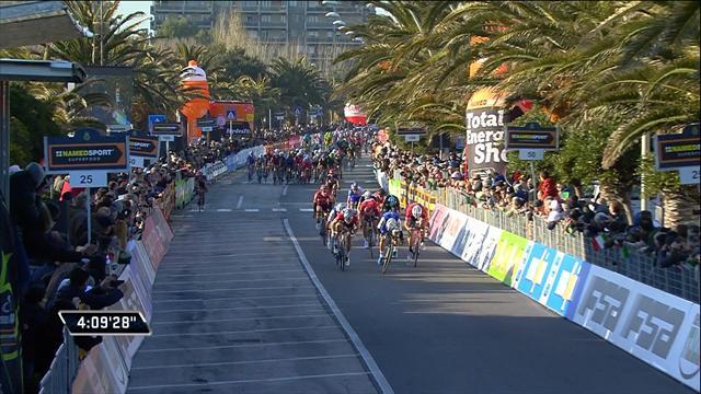 Gaviria outsprints Sagan to take Stage 6 victory