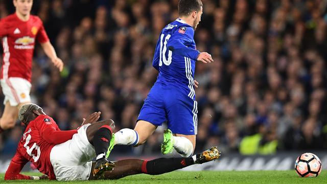 """Conte : """"Hazard n'a pas pu jouer pendant 25 minutes, il n'a fait que prendre des coups"""""""