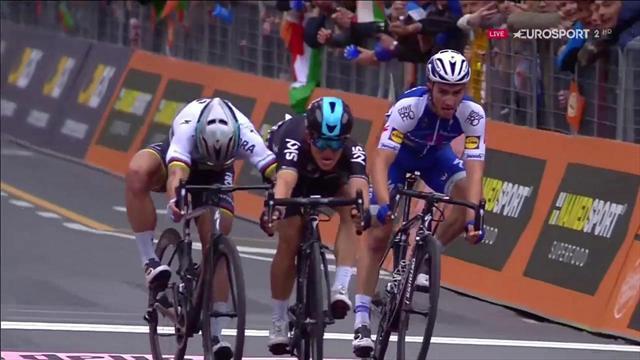 VÍDEO: Kwiatkowski se impone a Sagan en la Milán-San Remo en un final bestial