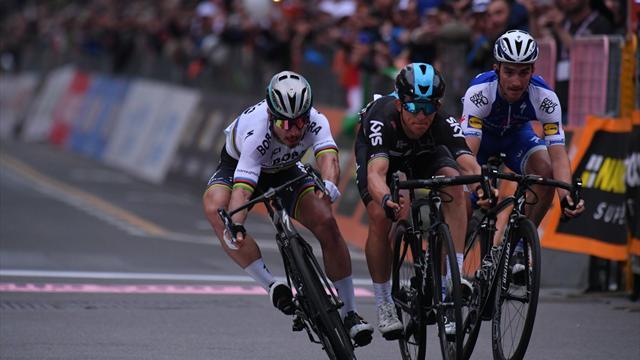 Milano-Sanremo: Kwiatkowski di potenza beffa Sagan dopo più di 7 ore. La Classicissima è da record