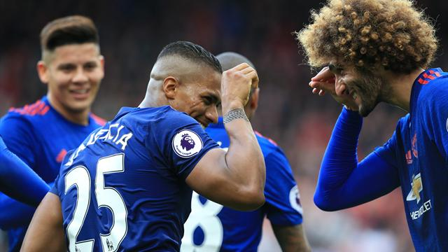 United finally move out of sixth as Valdes howler helps them beat Boro