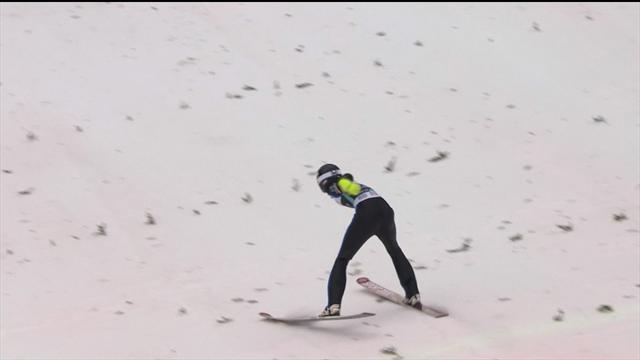 Kevin Bickner cade dopo un salto di 234 metri, ma fortunatamente sta bene