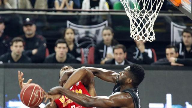 71-82. El UCAM Murcia toma Miribilla y complica el Playoff al Bilbao Basket